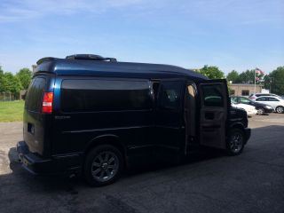 2013 Gmc Savana 2500 Executive Conversion Van photo