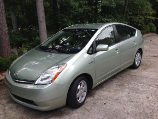 2009 Toyota Prius Touring Hatchback 4 - Door 1.  5l photo