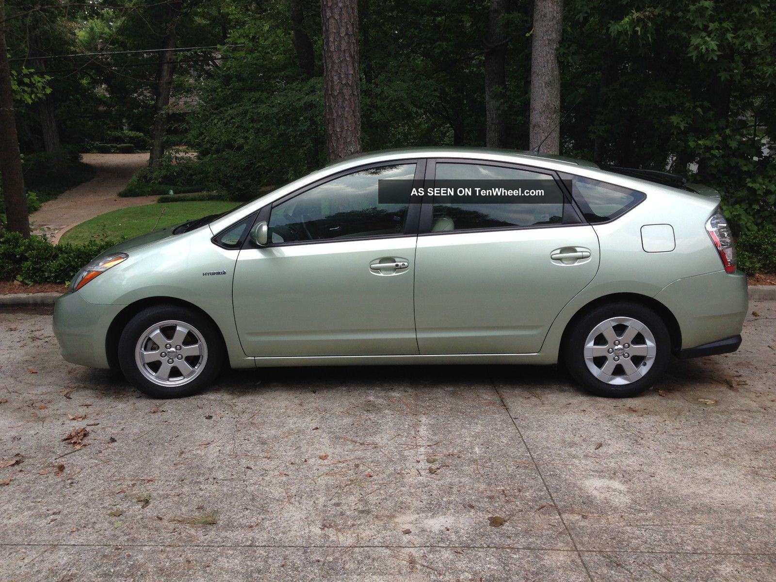 2009 toyota prius touring hatchback 4 door 1 5l. Black Bedroom Furniture Sets. Home Design Ideas