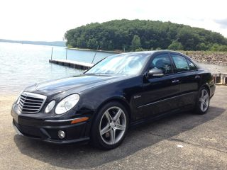 2008 Mercedes Benz E63 Amg Sedan Black / Black photo