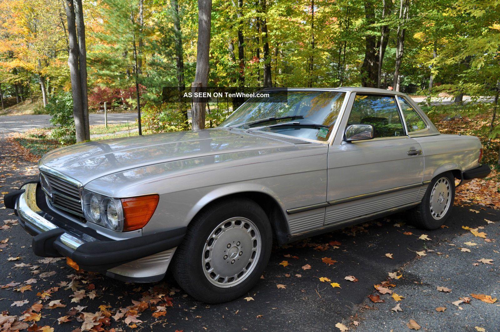Classic Mercedes Benz 560sl Convertible - 1987 500-Series photo