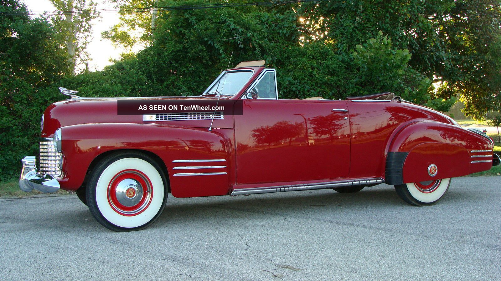 1941 Cadillac Convertible Other photo