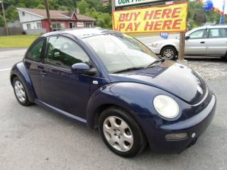 2002 Volkswagen Beetle Gls Hatchback 2 - Door 2.  0l photo