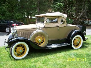 1930 Model A Deluxe Ford Convertible photo