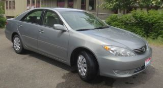 2005 Toyota Camry Base Sedan 4 - Door 2.  4l photo