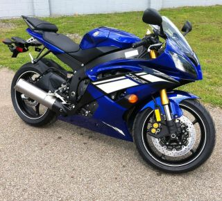 2012 Yamaha Yzfr6 Sportbike 0mi No Fees Yzf R6 Closeout $8,  357.  32 photo