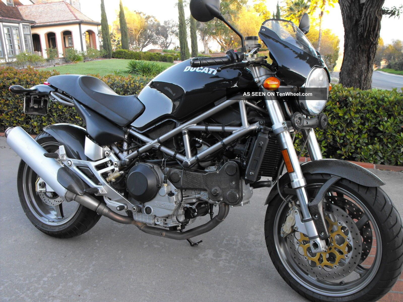 Ducati Monster 916 Ms4 Featured In The 2002 Warner Bros.  Catwoman Movie And Was Monster photo
