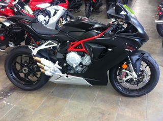 2014 Mv Agusta F3 800  Usa Delivery Rivale 800 Also Avail $12900 photo