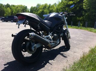 Ducati 2001 Monster 900 Ie - Black / Carbon Fiber photo