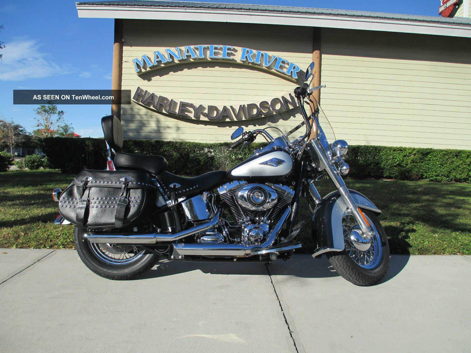 2012 Harley - Davidson® Flstc - Heritage Softail® Classic Softail photo