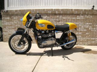 2005 Thruxton 900 With Ohlins Rear Suspension photo
