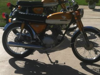 1972 Hionda Cb100 photo