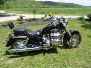 2003 Honda Valkyrie Black Cruiser In Excellant Condition photo