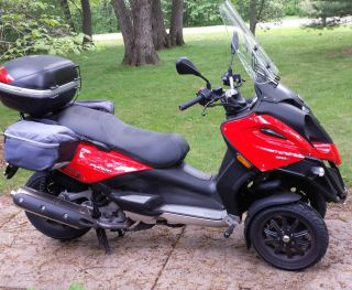2010 Piaggio Mp3 500cc Scooter / Motorcycle photo