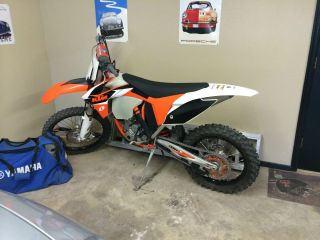 2012 Ktm 350 Xcf With Orange Powder Coated Frame And Rekluse Clutch photo