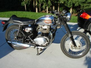 1969 Bsa Thunderbolt 650 photo