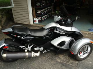 Can - Am Spyder Gs 2008 Silver Black 5 Speed photo