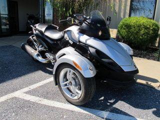 2009 Can Am Spyder Sm5 Trike 3 Wheeler photo