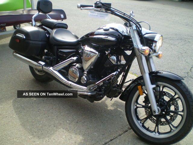 2010 Yamaha V - Star Tour 950 Cruiser,  Bike,  Motorcycle,  Condition V Star photo
