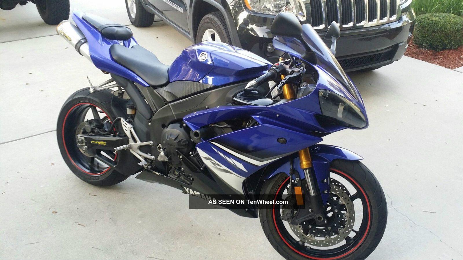 2008 Yamaha R1 (not Suzuki,  Cbr,  Kawasaki,  Zx10,  Ducati) YZF-R photo