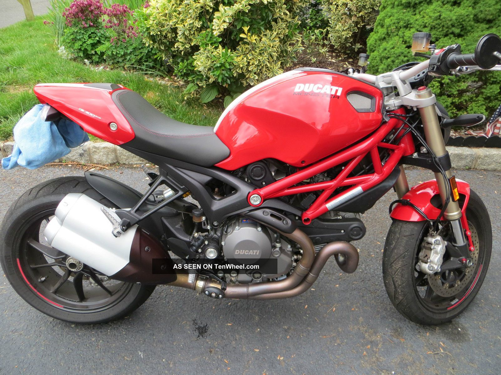2013 Ducati Monster 1100 Evo Monster photo