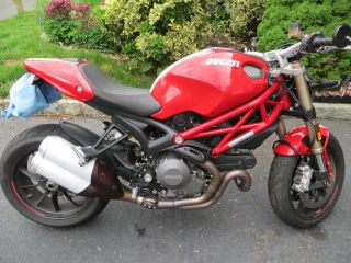 2013 Ducati Monster 1100 Evo photo