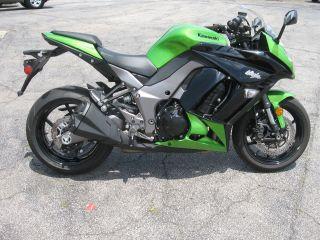 2012 Kawasaki Ninja 1000.  Perfect photo