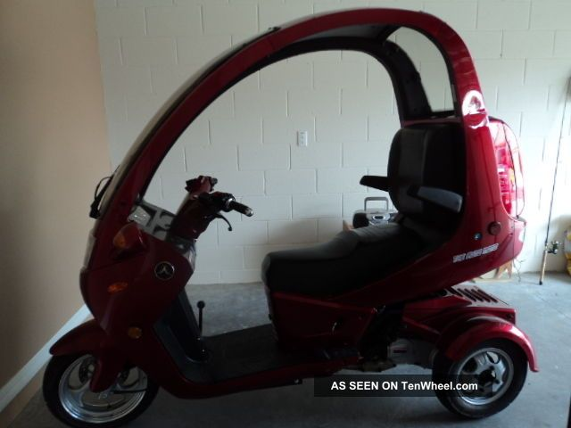 2012 Auto Moto 3 Wheel Scooter. Other Makes photo