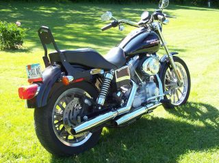 2005 Harley Davidson Dyna Glide. photo