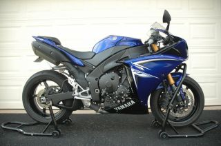 2009 Yamaha Yzf - R1 R1 photo