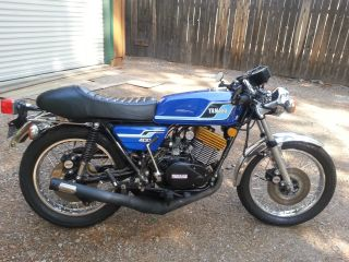 Vintage Classic 1976 Yamaha Rd - 400 Street Bike photo