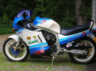 1987 Gsxr 750.  Custom Painted photo