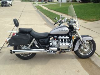 1999 Honda Valkyrie Gl1500c Cruiser photo