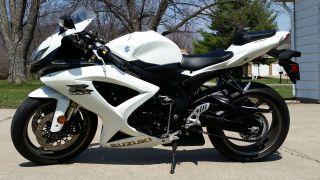 2009 Gsx - R 600 (black / White) $7,  400 photo