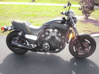 1997 Yamaha Vmax photo