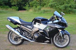 2007 Kawasaki Ninja Zx14 Black And Chrome photo