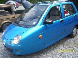 2011 3 Wheeled Car Or Motorcycle Street Legal Condition photo