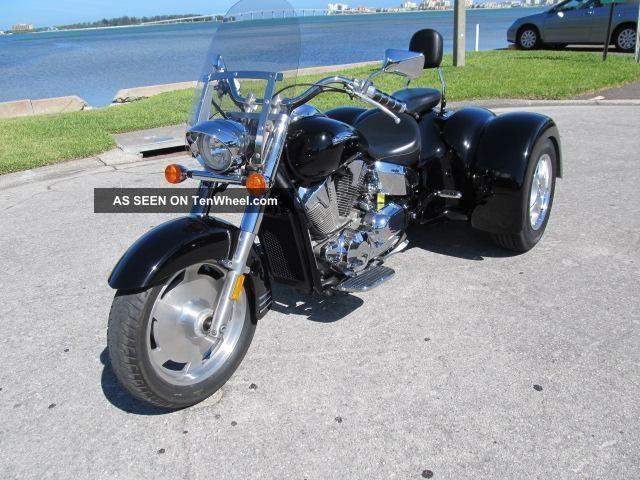 2008 Honda Vtx1300 W / 2013 Champion Sidecars Trike Conversion