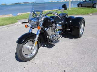2008 Honda Vtx1300 W / 2013 Champion Sidecars Trike Conversion photo