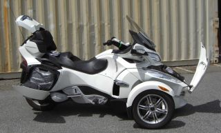 2011 Can - Am Spyder Rt Se5 Limited Semi - Automatic Transmission 998 V - Twin 5 - Speed photo