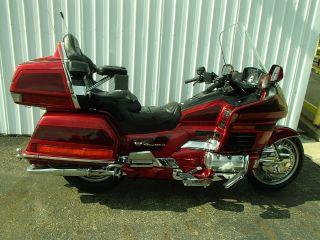 1999 Honda Gl15 Se In 2 Tone Maroon And Black Um20230 Df photo