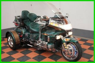 1988 Honda Gold Wing® Gl1500 Trike Voyager Convertible photo