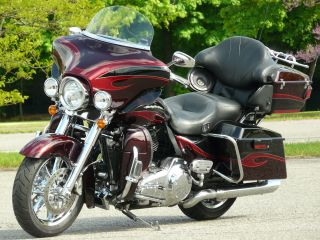 2013 Harley Davidson Electra Glide Ultra Classic Cvo 110 Screaming Eagle photo