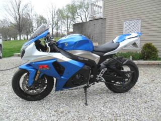 2009 Suzuki Gsx - R1000 And Very photo
