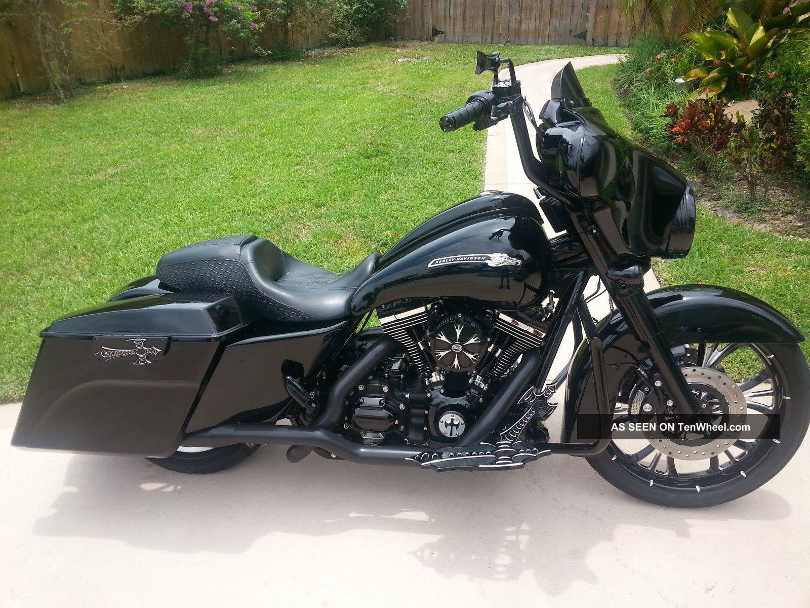 2011 Harley Street Glide Custom Bagger Touring photo