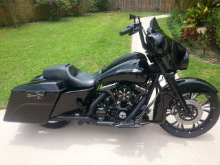 2011 Harley Street Glide Custom Bagger photo