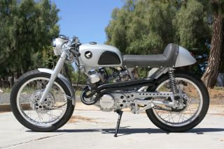 1967 Honda Cl160 Cafe Racer Custom Ahrma In Cloud Silver Vintage photo