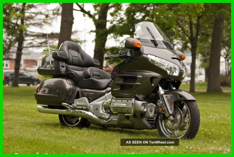 2009 Honda Gold Wing® Gold Wing Audio Comfort Navi Xm Abs Gold Wing photo