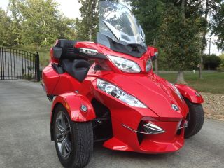 2012 Can Am Spyder Rt - Se5 Red Reverse Trike,  3 Wheeler,  Touring Motorcycle photo