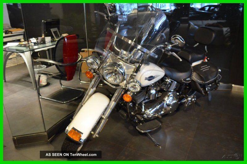2011 Harley - Davidson® Softail® Heritage Softail® Classic Softail photo